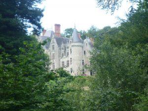 Château de Kerambleiz au bord de l'Odet à Plomelin