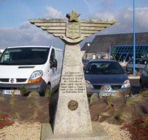 Stèle Maurice Bon de Pluguffan