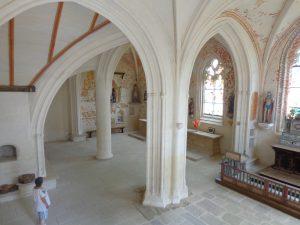 Intérieur de la chapelle Notre Dame de Quilinen de Landrévarzec