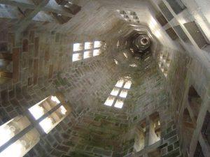 Vue de l'intérieur de la flèche sud de la cathédrale Saint Corentin