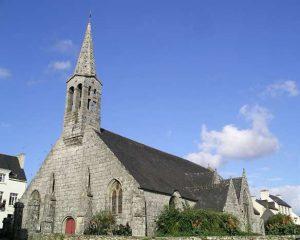 Eglise Saint Guinal dans le bourg d'Ergué Gabéric